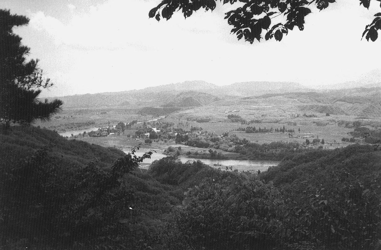 猿羽根山頂からの遠景