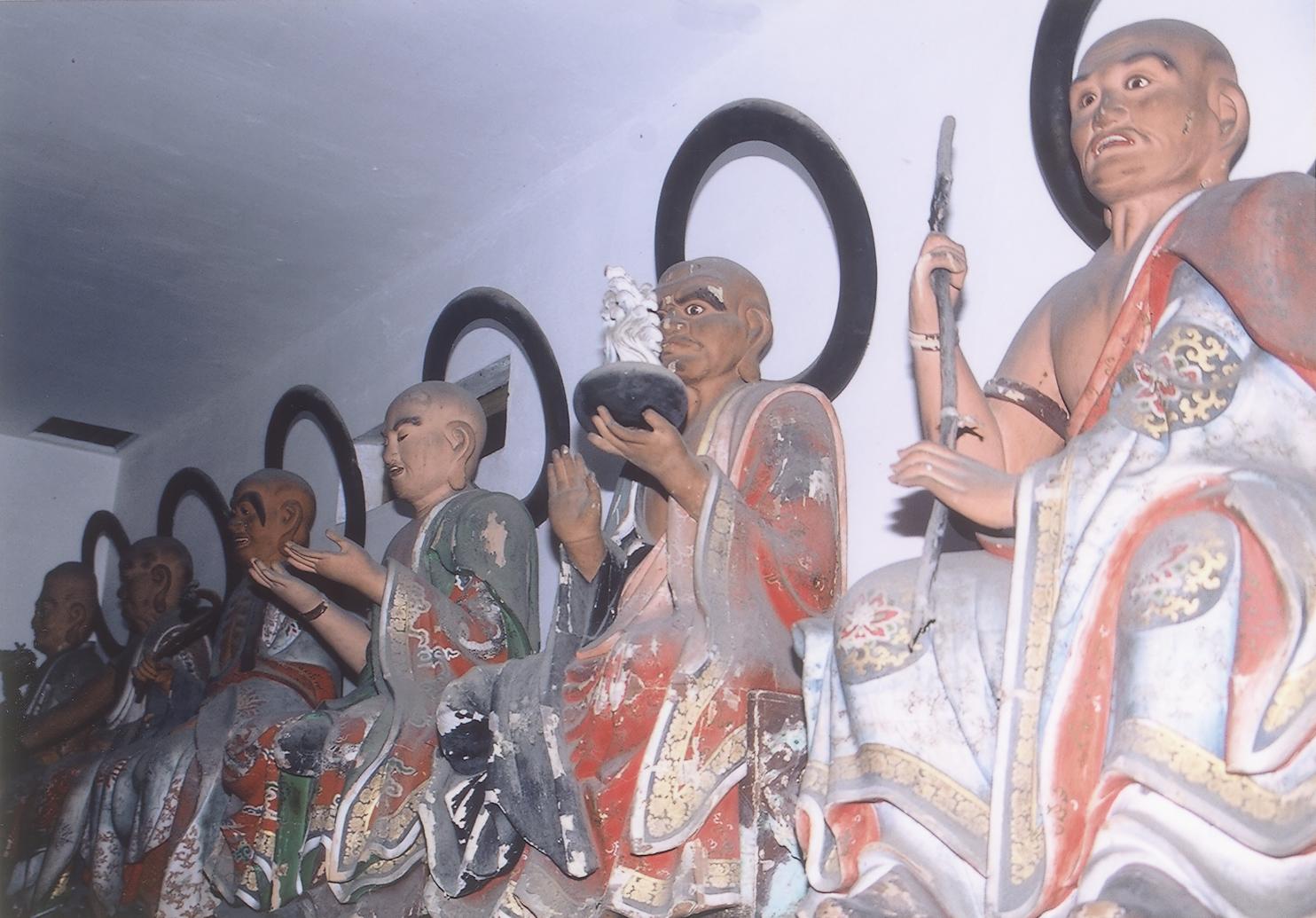 木造 十六羅漢像