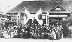 青木幼稚遊戯園(明治40年卒園式)