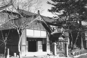 旧沼田小学校昇降口