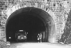 13国道のトンネル