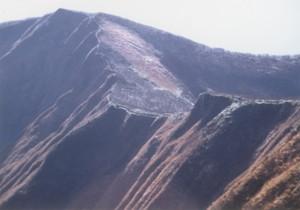 火打岳から大尺山の雪蝕地形