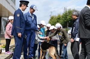 警察犬防犯パトロール