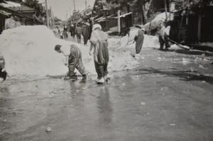 万場町(雪割り)